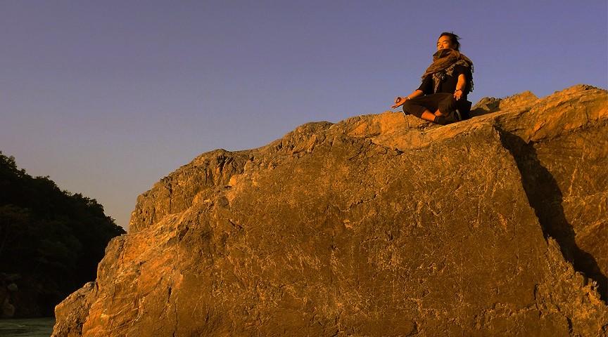 古典インドヨーガを通して正しい瞑想法を学ぶ。本格ヨガの世界