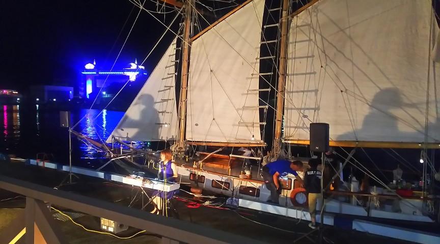 帆船 アミ号で 体験乗船しましょう。
