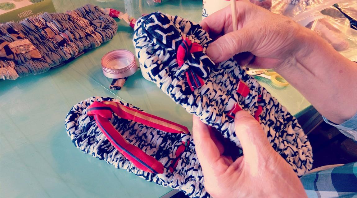 手づくり体験工房。古布を使った布草履づくり