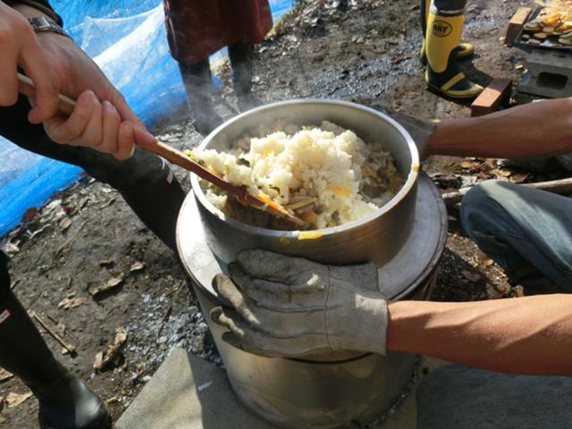 羽釜で炊き込み御飯