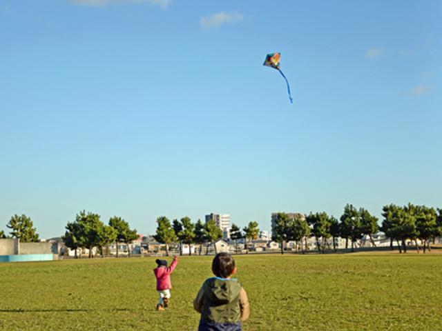『凧揚げ』