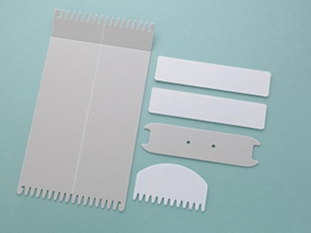 おりりん®とは、歌川智子考案の簡単両面織り機で  実用新案取得済みのオリジナル道具です。