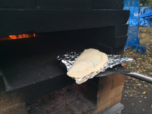 石窯で焼く