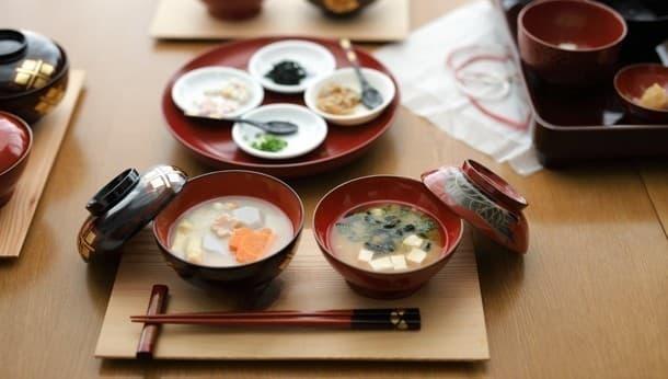 日本文化の魅力を再発見。 味噌マニアと楽しむ「全国5か所の味噌汁と漆器の比較体験」