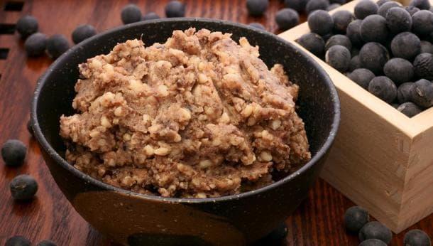 【畑で黒豆味噌づくり】収穫した黒豆でまろやか味噌づくりの旅
