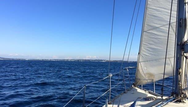 【神奈川】初心者歓迎♪自分でヨットの舵も取れる豪華盛りだくさんツアー!