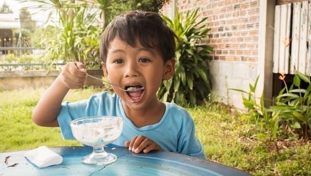 夏を楽しみたい親子集まれ!永田町のビル屋上でアイス作りとプール遊び!