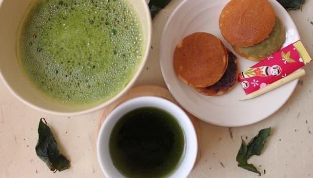 【浅草かっぱ橋のお箸屋さんで和紙茶体験】手作り楊枝と和菓子で「食す和紙」を楽しもう!