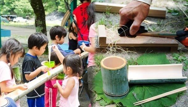 今年の自由研究は職人さんと竹細工。流しそうめんも手作りの器で食べよう