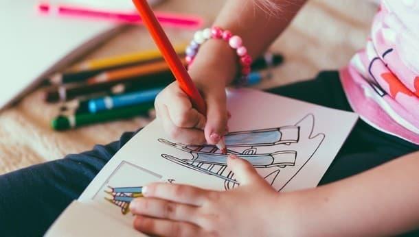 まるで本屋さん。絵本キットで親子で作れる、夢やアイディアを形にできる手作り本格絵本