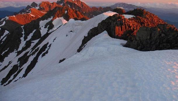 【9月25日限定】登山家とアウトドアクッキング〜焼きたてクッキーと本格茶を作ろう~<街歩き>
