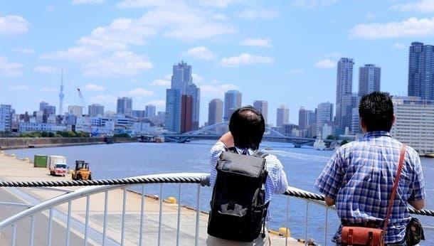数十年後には見られない景色。古い町並みが残る、東京湾と運河を「のんびり散歩」
