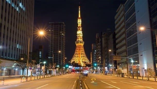 大人気!手相鑑定付き。伝説の占い師と行く「夜の東京パワースポット巡り」