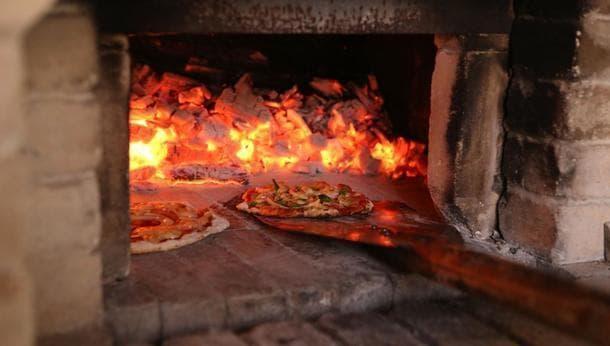 仙人秘水を使った石窯ピザ作り体験