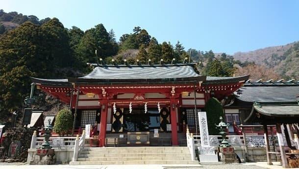 【リピーター限定】大山阿夫利神社&龍の滝、菜奈実と春のリトリートツアー