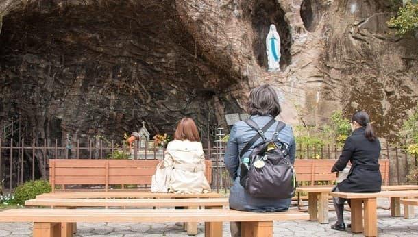 【東京・目白】神秘の大十字架聖堂で自分を見つめる瞑想体験