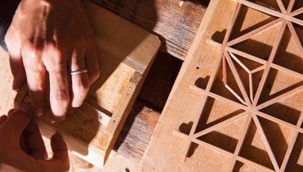 【伝統工芸体験】5代目建具屋の親子による伝統建具見学と組子細工を作る旅!